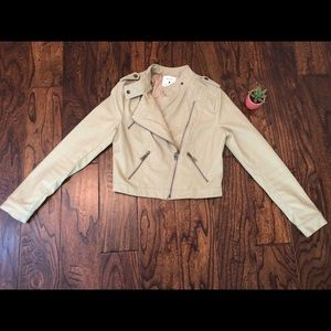 Forever 21 Jackets & Coats - Forever21 Beige Pleather Jacket Size Small